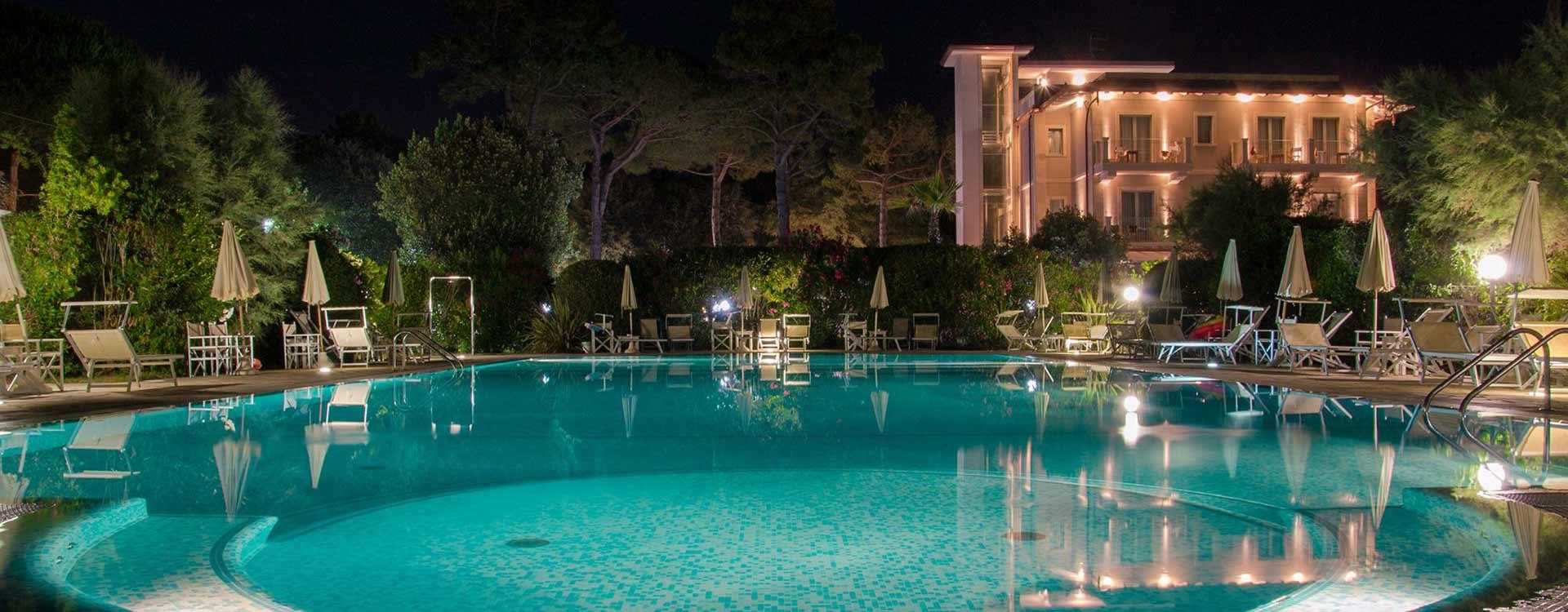 L'hotel dispone di piscina a Ronchi